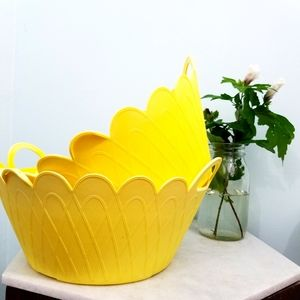 Vintage Accents - AT HOME》SET OF 70s vintage yellow platics planterS